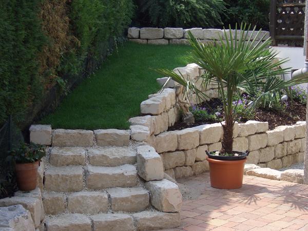 Maing rtner treppen im garten for Gartengestaltung treppe